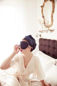 Holistic Silk hedvábné masky na spaní